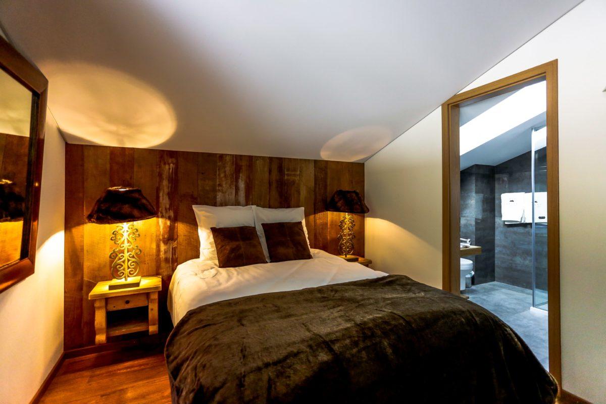 bedroom-chalet-eugenie-lodge-destinations