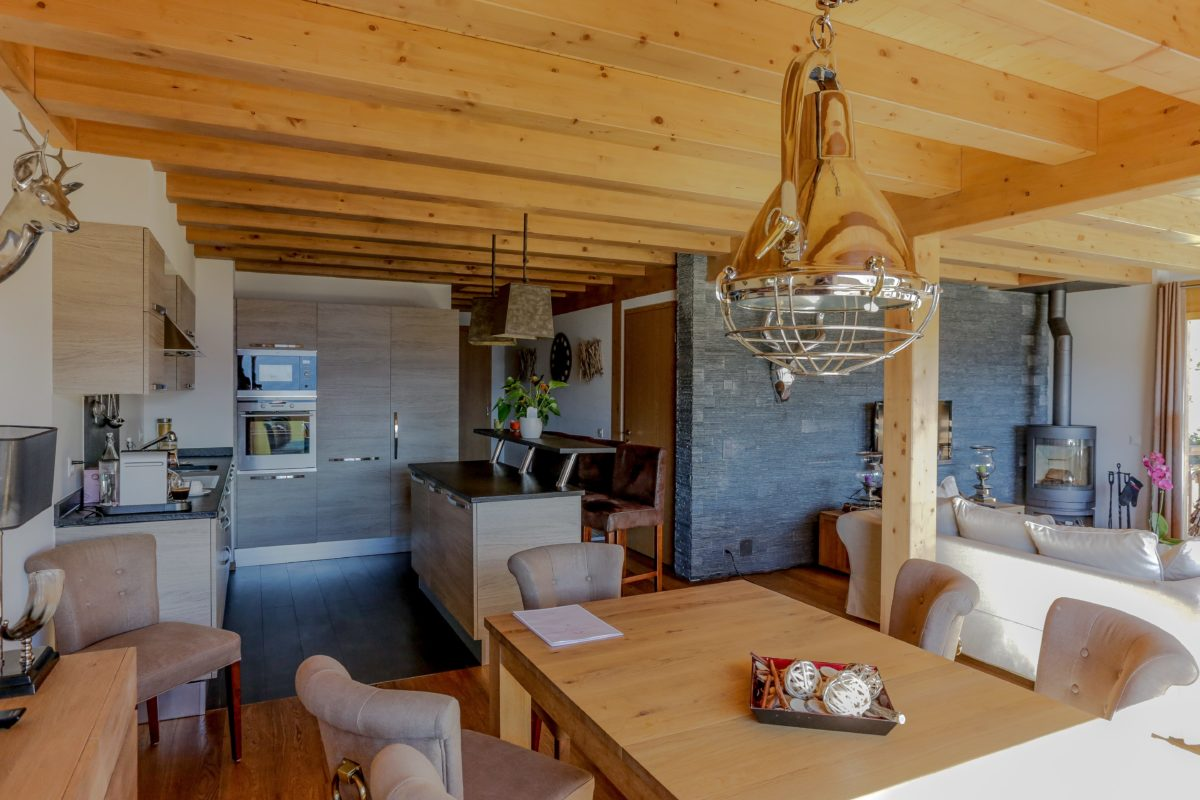 dining-area-chalet-eugenie-lodge-destinations