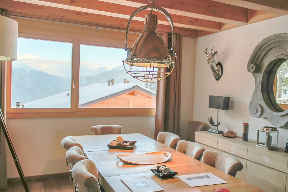 dining-room-chalet-eugenie-lodge-destinations