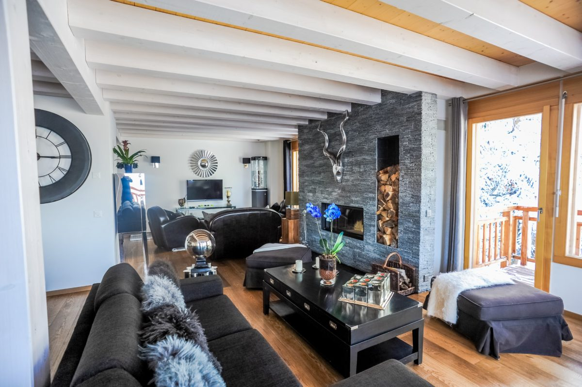 fireplace-chalet-benou-lodge-destinations