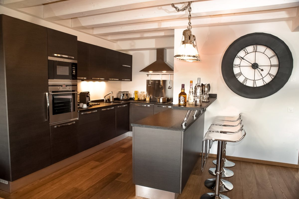 kitchen-chalet-benou-lodge-destinations