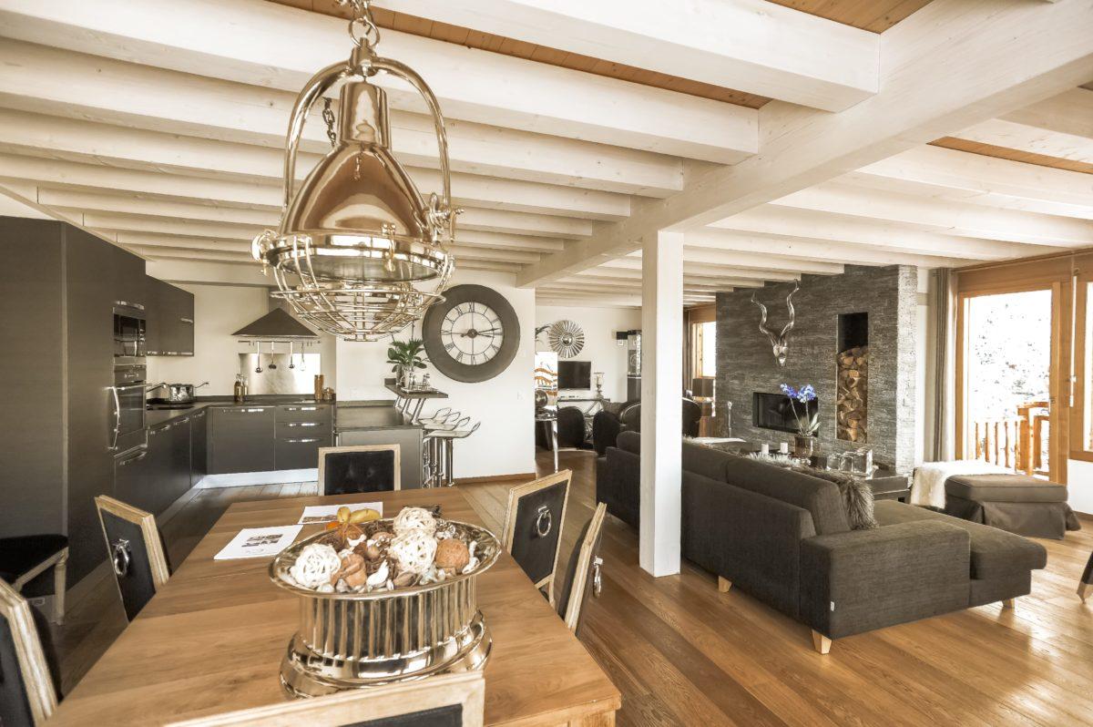 living-room2-chalet-benou-lodge-destinations