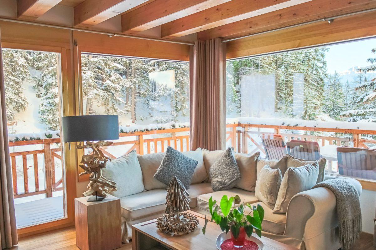 living-room2-chalet-eugenie-lodge-destinations