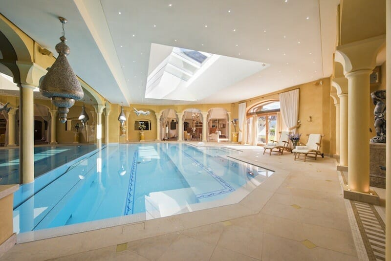 swimming-pool-chalet-bella-coola-verbier-lodge-destinations