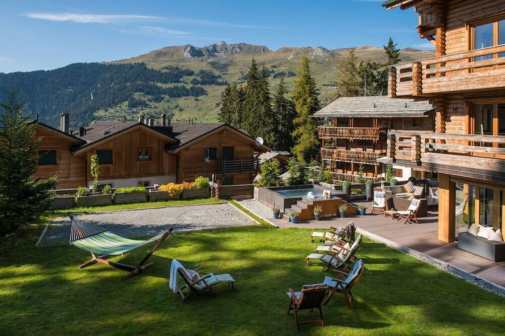 garden-summer-the-lodge-lodge-destinations