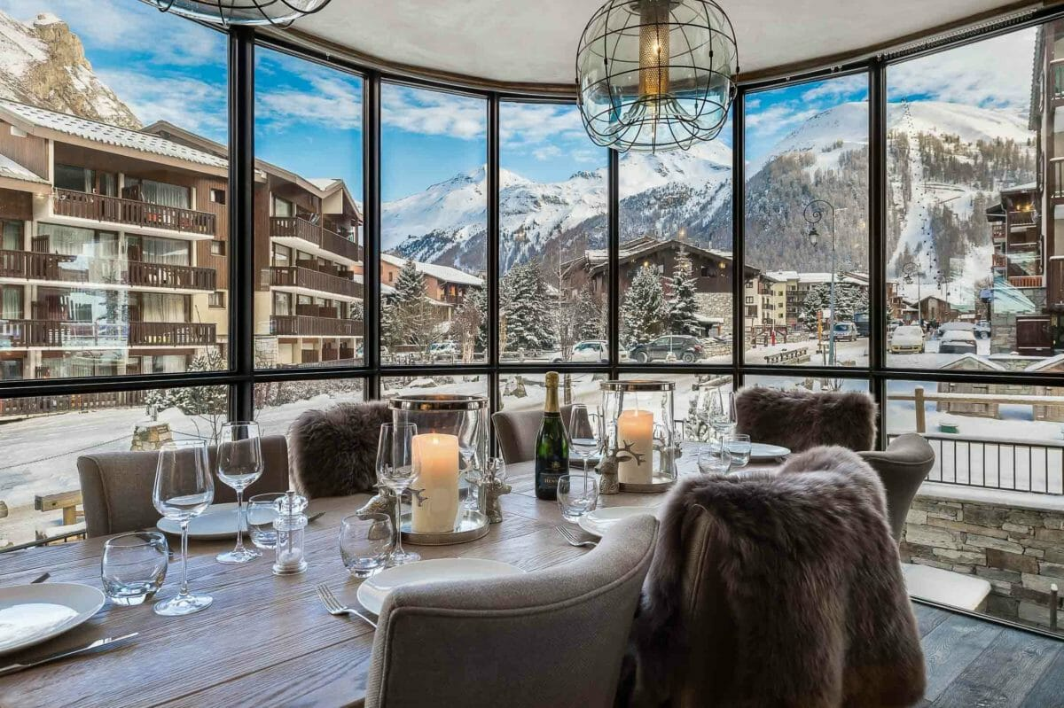 dining-apartment-la-canadienne2-val-disere-lodge-destinations