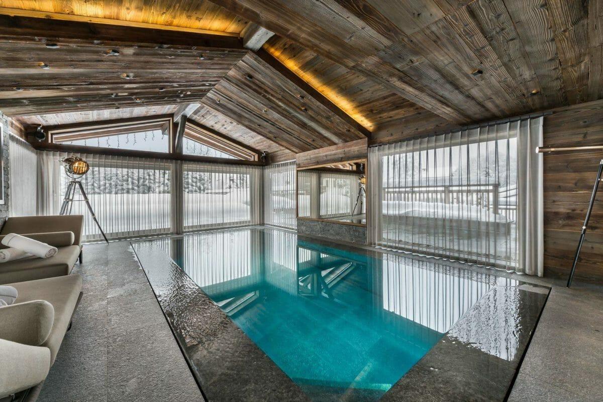 swimming-pool-chalet-des-sens-megeve-lodge-destinations