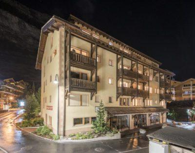 Mount Whitney Apartment