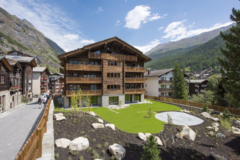 exterior view christiania apartment 3 zermatt lodge destinations