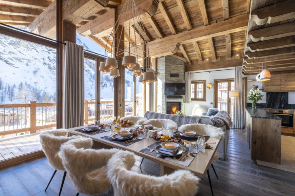 grand pre 3 val disere breakfast table