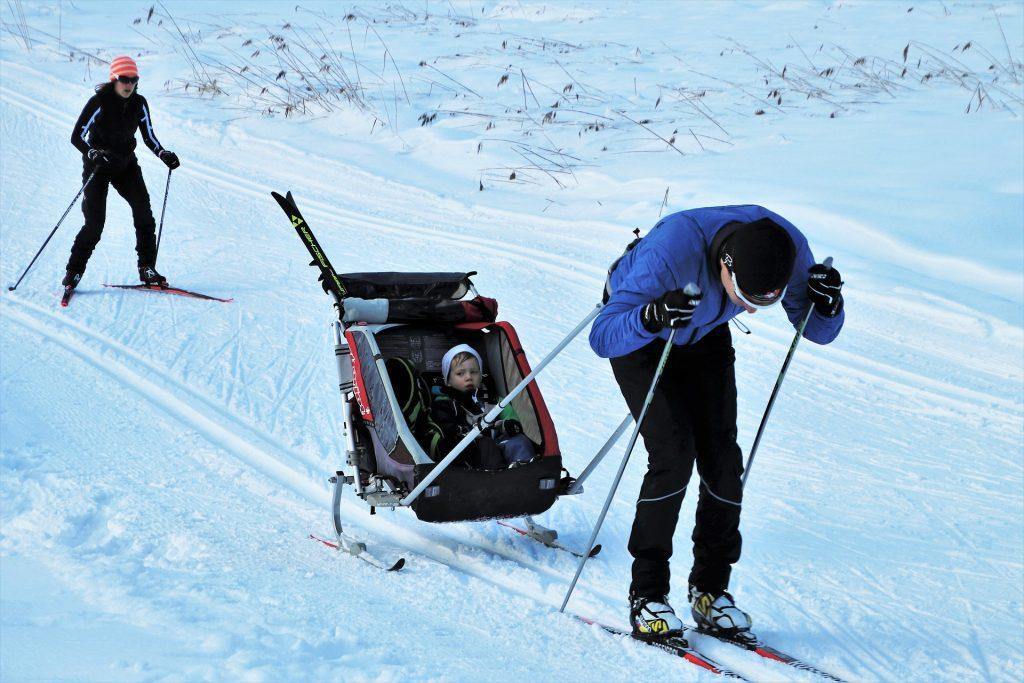 skis 4868380 1920
