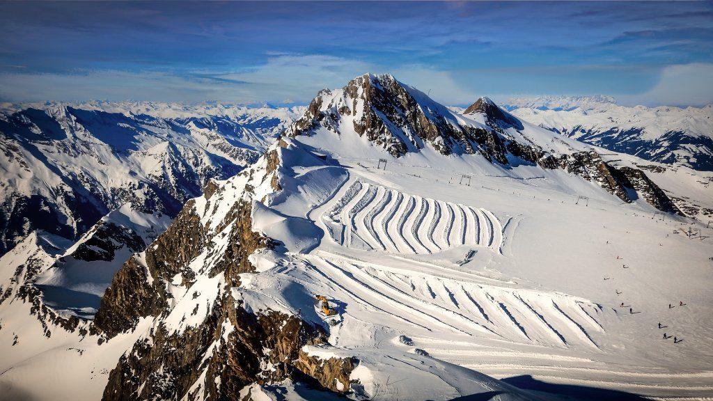 summer skiing glaicer lodge destinations
