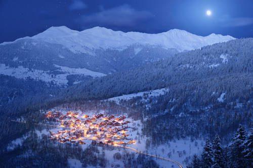 village meribel night